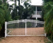 Brookhaven 3 Rail Driveway Gate With Rings in White