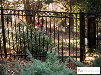 Aluminum fence supply and delivery in Tampa, FL